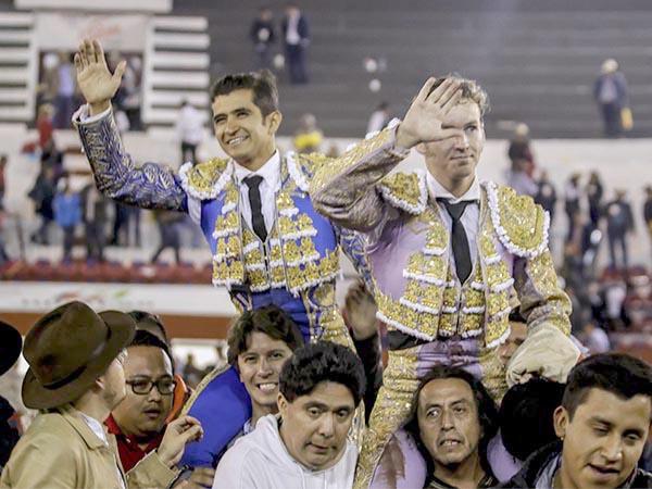 Joselito y El Payo, a hombros en Pachuca