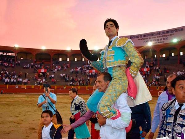 Álvaro Lorenzo indulta un toro en Lima