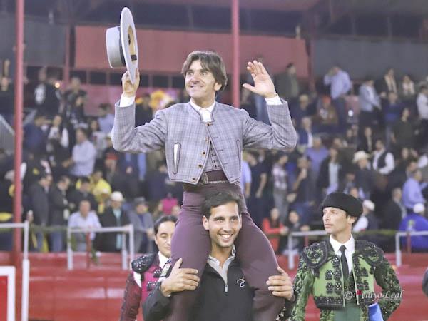 Diego Ventura sale a hombros en Tijuana