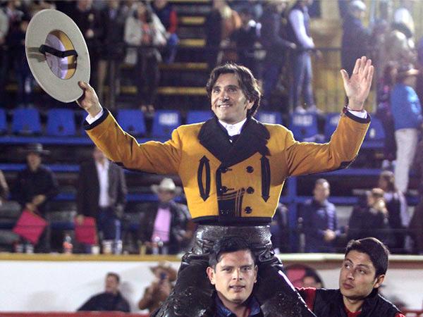 Diego Ventura sale a hombros en El Relicario