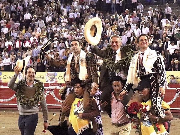 Ponce y El Juli triunfan en Manizales