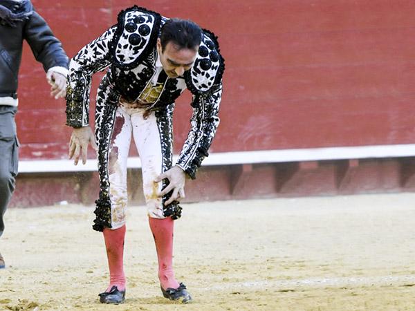 Grave percance de Enrique Ponce en Valencia