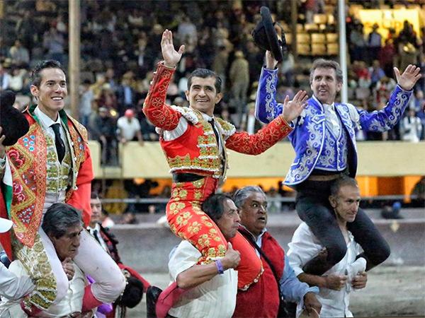 Exitoso regreso de los toros a Toluca