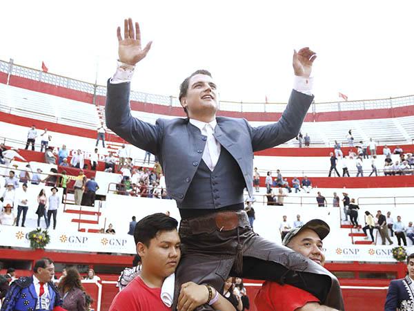 Sebastián Torre triunfa en Monterrey
