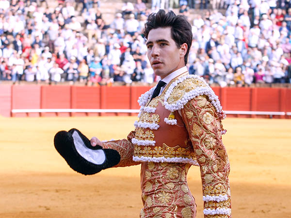 Álvaro Lorenzo da una vuelta en Sevilla
