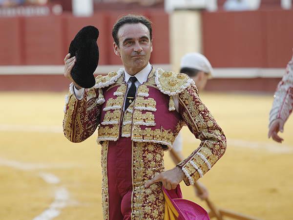 Ponce y Morante dan vuelta en Málaga