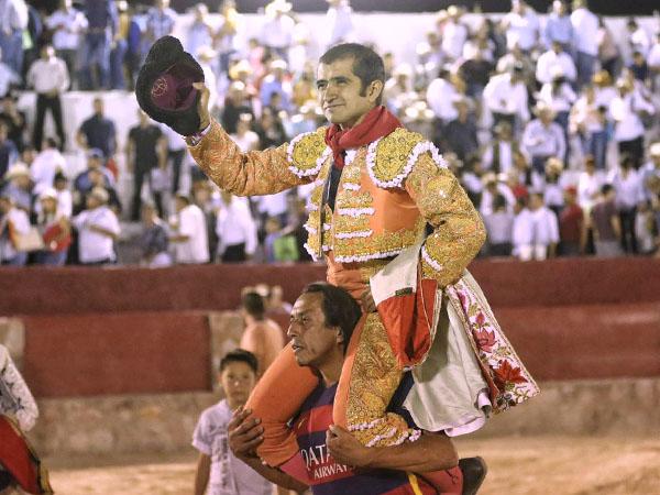 Joselito reaparece y triunfa en Cedral