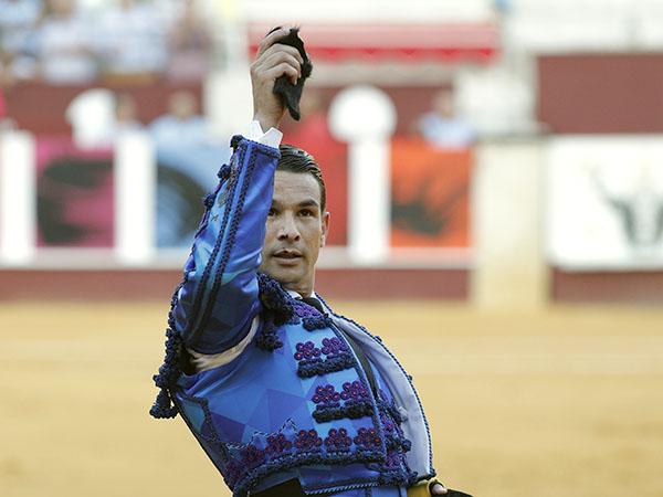 Manzanares apunta un trofeo en Málaga