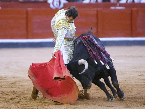 Ovacionan a Miguel Aguilar en Salamanca