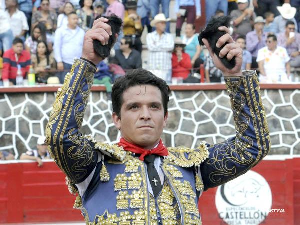 Gran triunfo de El Chihuahua en Ahuacatlán