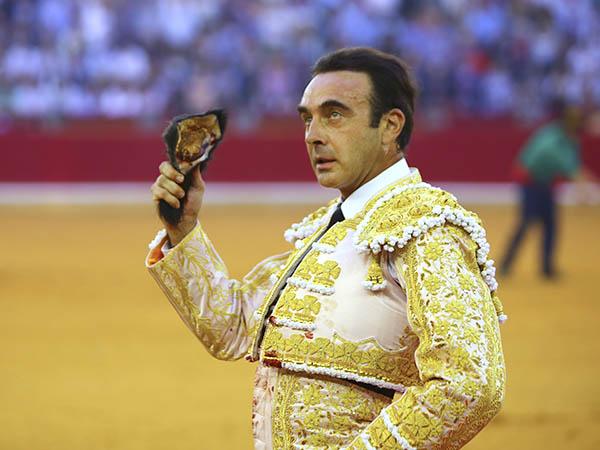 Enrique Ponce triunfa en Zaragoza
