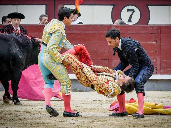 Gonzalo Caballero cae herido en Madrid