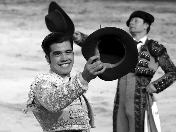 Diego San Román corta una oreja en Cali