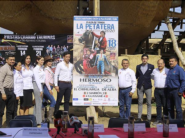 """Presentan dos corridas en """"La Petatera"""""""