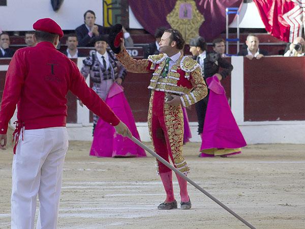 Ferrera corta oreja y cae herido en Bogotá