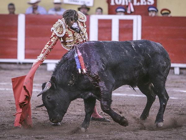 Arturo Gilio destaca en Aguascalientes