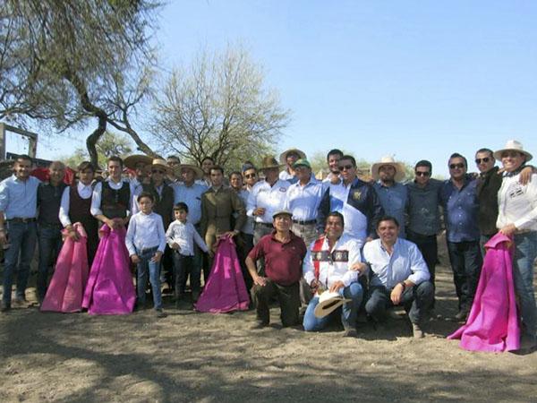 Martínez organiza su tercer campamento taurino