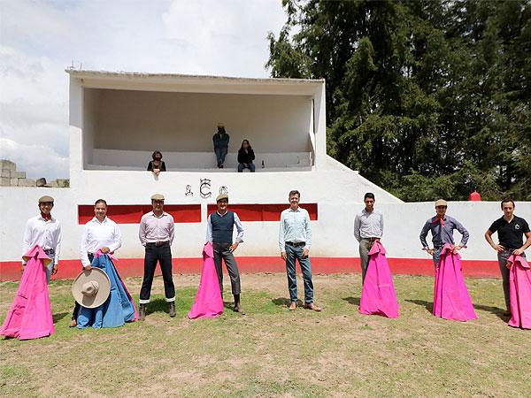 Velan armas en la ganadería de Felipe González