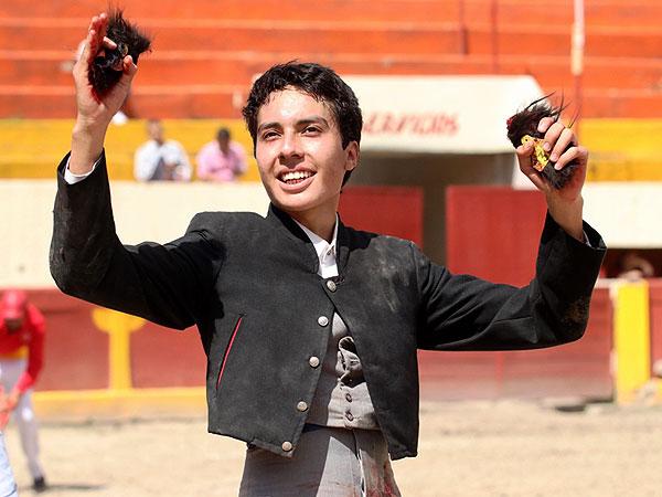 Roberto Benítez triunfa en Apizaco