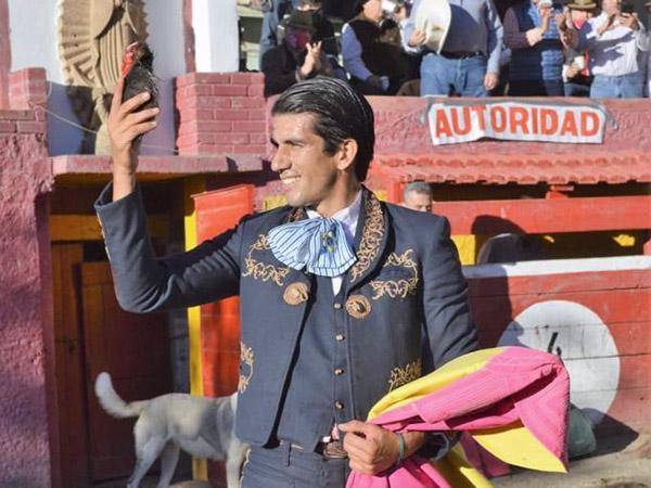 Xavier, Fermín y Calita a puerta cerrada