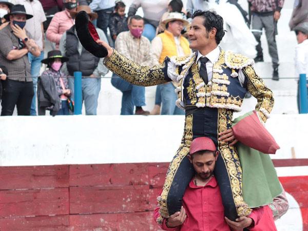 Angelino de Arriaga triunfa en su encerrona