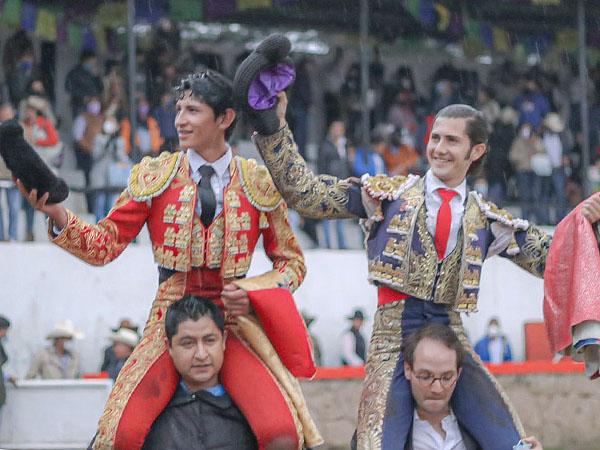 Nieto y Osornio a hombros en Aculco