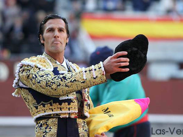David Mora da meritoria vuelta en Madrid