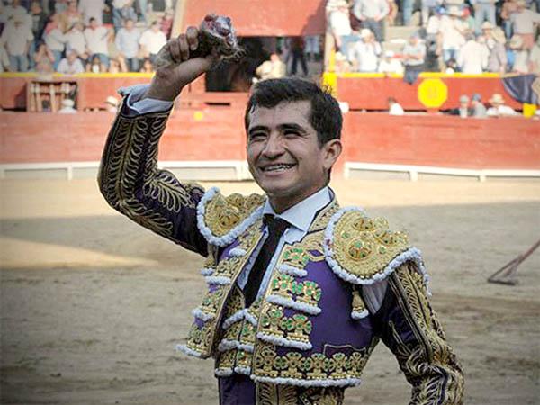 Joselito pasea una oreja de ley en Acho