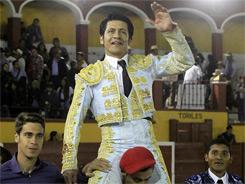 El Zapata sale a hombros en Tlaxcala