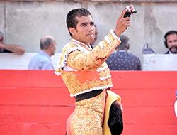 Joselito corta oreja en Nimes