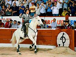 Diego Ventura llena y cautiva en Mérida
