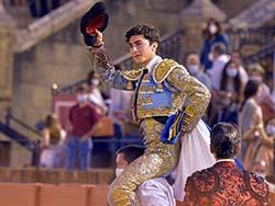 Perera deja constancia de su ambición en Sevilla